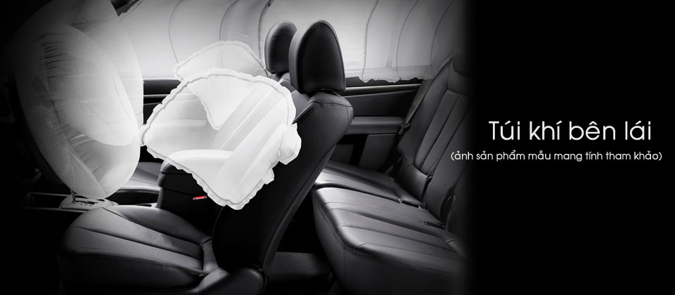 Ô tô Hyundai Santa chở tiền Đà Nẵng