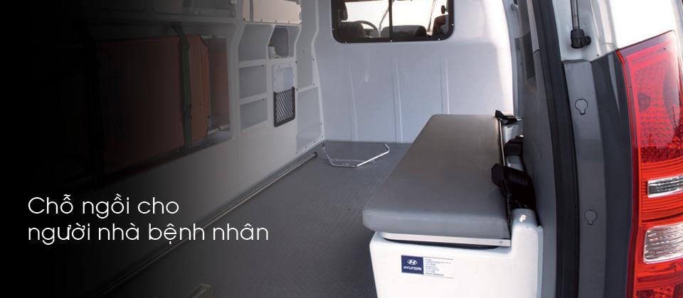 Hyundai Starex cứu thương Da Nang